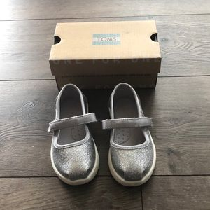 Toms Glimmer Mary Janes Baby/Toddler size 6